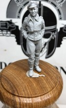 1/32 scale WW2 German Air Force Ace Pilot WWII Resin Model Kit Model Free Shipping