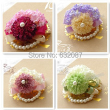 Wedding Decorative Artificial Flower Bride Bridesmaid and Important Guest Wrist Flower 4 Different Color Sweet Wrist Flower(China)