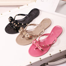 8f4be793fabbef Hot Selling Summer Fashion Zapatos Mujer Nude Pink Black Patent Leather  Rivets Bowties Flip Flop Cute Sandals Women Beach Shoes