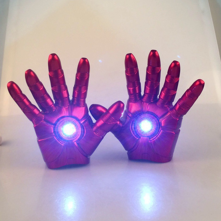 [Funny] 1:1 Cosplay 1 pair The Avengers 2 Iron man Mark 3 LED light Gloves luminous Action Figure Toy model costume party gift