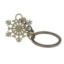 Fashion Vintage Bronze Snowflake Keychain Snow Key Chain key Ring Purse Jewelry for Women Cute Girls Kids Christmas Gift mujer