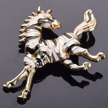 Fashion Zebra Horse Animal Pins and Brooches for Women Men Sweater Suit Collar Lapel Pin Enamel Broches Jewelry Accessories X261(China)