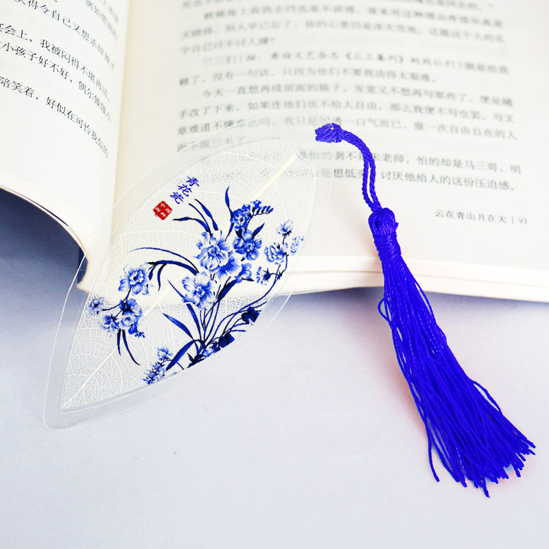 China 's national essence Blue and white china Lily Plants Natural leaves Bookmarks For Gift ,Student(China (Mainland))