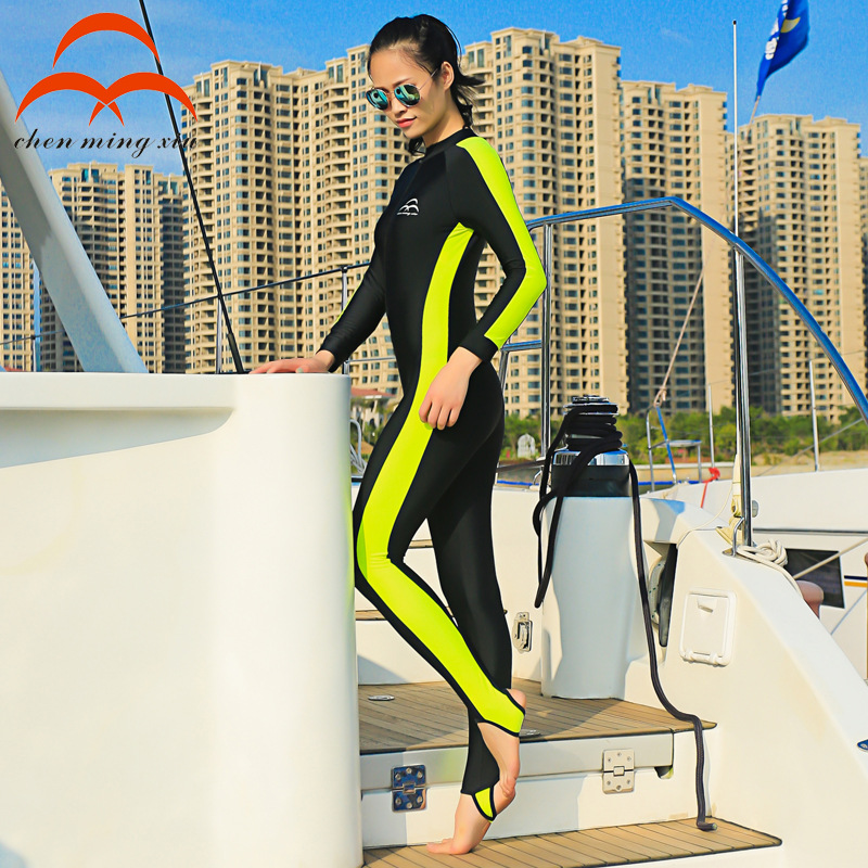 Lovers of outdoor surfing diving suit Men and women is prevented bask in wholesale long-sleeved jellyfish conjoined diving suit<br>