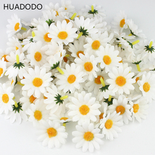 HUADODO 100Pcs 4cm White Daisy Flower Artificial Silk Flowers Scrapbooking Party Wedding Decoration Home Decor Wedding Flowers(China)