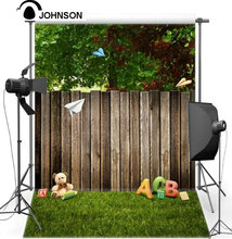 Vinyl cloth wall Children kids High quality Spray Painted Tree Old Wood Teddy Bear Green Grass photo studio background