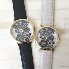 New Arrival Lace Printed Watch With Faux Leather Strap,2 Colors Flower Print Cleanly Styled Face Quartz Watch For Woman