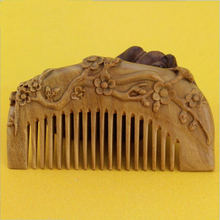 Natural handmade Green Sandalwood plum flower Boutique Comb hairdressing professional health care Green sandalwood wooden Combs
