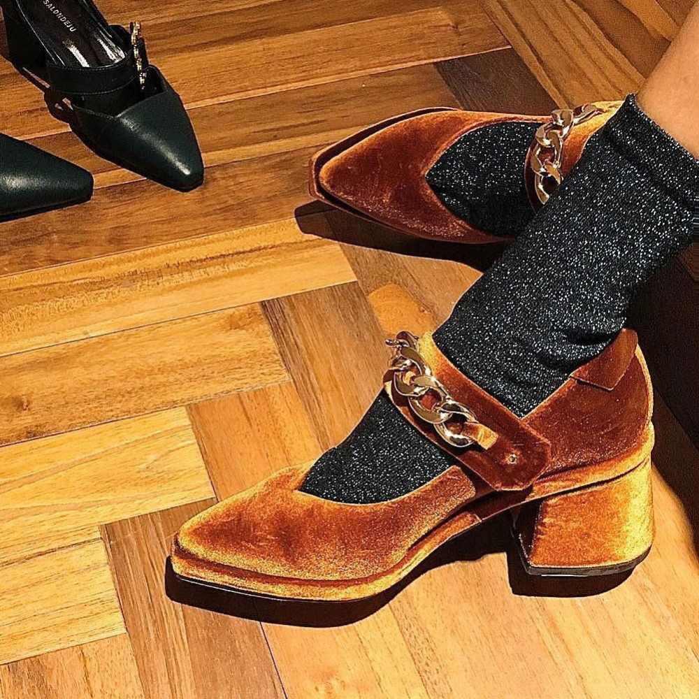 Detail Feedback Questions about HZXINLIVE Velvet Mary Jane Shoes Chains  Decor Pumps Women Shoes Pointed Toe High Heels Pumps Women High Heels  Ladies Shoes ... 5c4475fc3e90