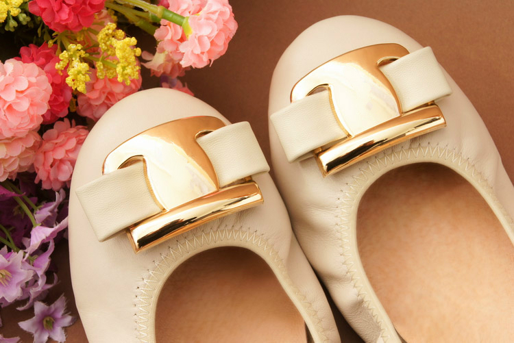 New Korean Slip On Balerinas Shoes For Womans Sweet Bow Metal Ladies Flat Genuine Leather Shoes Loafers Footwear Women Ballerina (46)