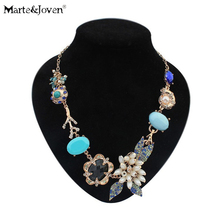[Marte&Joven] Fashion Bohemia Summer Style Collar Flower Statement Necklace Romantic Gold Color Blue Rhinestone Women's Necklace(China)