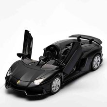 Four Colors Diecast Metal Alloy Car 1:32 Pull Back Sport Car Model Simulation Autos with Sound&Light Boys Collection