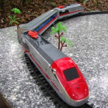 Model trains 1:87 electric track train 17pcs/set High Speed Rail train 12pcs railway railroad tracks 3 large Rail Car Free Shipp(China)
