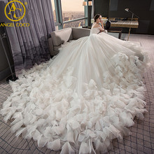 High Quality Real Photos Nice Luxury Feather Wedding Dress 2017 Backless Bridal Gown Plus Size Sexy Women Lace Weeding Dress(China)
