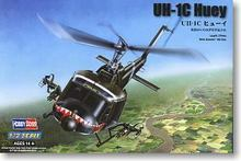 "Hobby Boss 1/72 scale helicopter model aircraft 87229 UH-1C ""Iroquois "" universal helicopter gunboat type fire suppression type(China)"