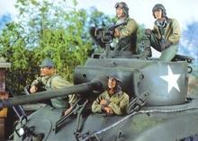 Free Shipping 1/35 Scale Unpainted Resin figure WWII US Crew Ardennes without Tank just  4 figures