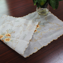 yazi Tablecloths Flower Lace Wedding Party Blended Yarn Organdy Hand-embroidered Table Cover 57x117cm