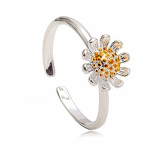 KAMEIER European hot Small fresh open Daisy flowers rings for girls lovely Sunflower Index finger ring tail ring bulk