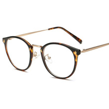 The new section of the whole frame retro light mirror men and women with the TR90 frame glasses can be equipped with myopia glas