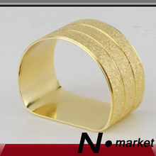 Free Shipping 2017 Gold D Semicircle Napkin Rings Dinner Room Napkin Holder For Table Decoration Restaurant(China)