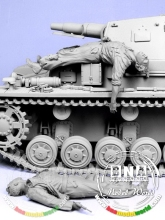 Assembly  Unpainted  Scale 1/35 Escaping German tank crew   figure Historical WWII Resin Model Free Shipping
