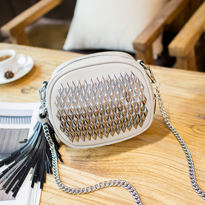 2016 New Modish Women Women Messenger Bags With Nice Tassel High Quality Crossbody Bags For Female Special Womens Shoulder Bags<br>