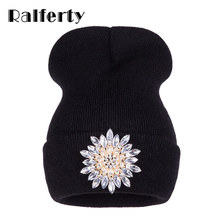 Ralferty 2017 New Winter Hats For Women Knitted Luxury Flower Crystal Beanies Hat Off White Female Skullies Caps Gorras Gorros