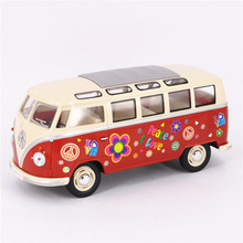 1:24 KINGSMART 1962 Volkswagen Diecast Metal Bus Toys, Painting Flower Pull Back Car Model / Brinquedos, Cars Toys For Children