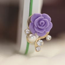 QvvCev 1Pcs Flower Rhinestone Anti Dust Plug Mobile Phone Dustproof Plug For iPhone For Samsung Huawei For Xiaomi 3.5mm Earphone(China)