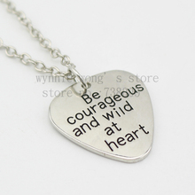 "2015 ""Be courageous and wild at heart"" Silver Pendant Necklace Men's Guitar Pick Necklace(China)"