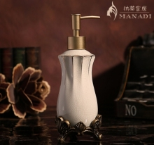 European style Fashion ice crack ceramic lotion bottle pump head soap bottle home supplies carving hand sanitizer bottle