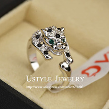 USTYLE Fancy Brand Design  with Crystals Green Eye Leopard Finger Ring