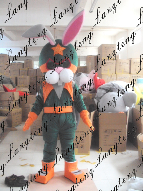 The rabbit astronauts Space mascot costume for adu...