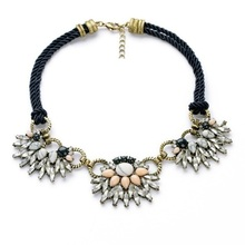 Bohemia Women Exaggeration Knitted Chain Gem Natural Pattern Stone Flower Chokers New Bib Statement Necklace VN404