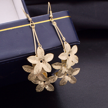 Three colors Swing gold silver and black flower frosted Drop earrings for women fine Jewelry hoop earrings D-ES-331(China)