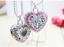 2016 new fashion Diamond Heart Alloy Hollow Out Heart Pocket Necklace Watch Christmas Gift 1pcs