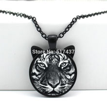 CN-00467 2017 Silhouette Tiger Pendant Necklace Tiger head Jewelry Glass Cabochon Necklace Pendant