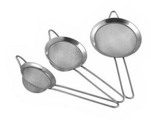 1PC Baking tools Mesh Wire Flour handheld stainless steel screen mesh strainer flour sieve Kitchen pastry tools Sifters J0870(China)