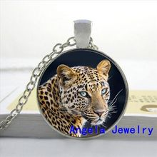 NS-00185 New Fashion Glass Cabochon Dome Jewelry Leopard Pendant Necklace Glass Leopard Necklace  Photo Jewelry