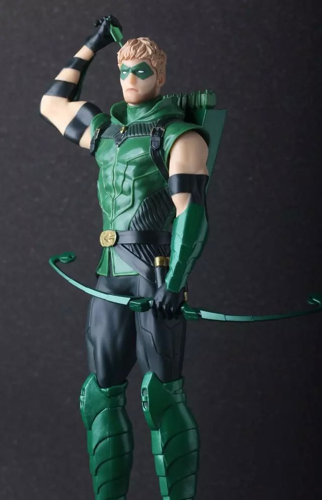 Crazy Toys Green Arrow PVC Action Figure Collectible Model Toy 25cm KT689<br><br>Aliexpress