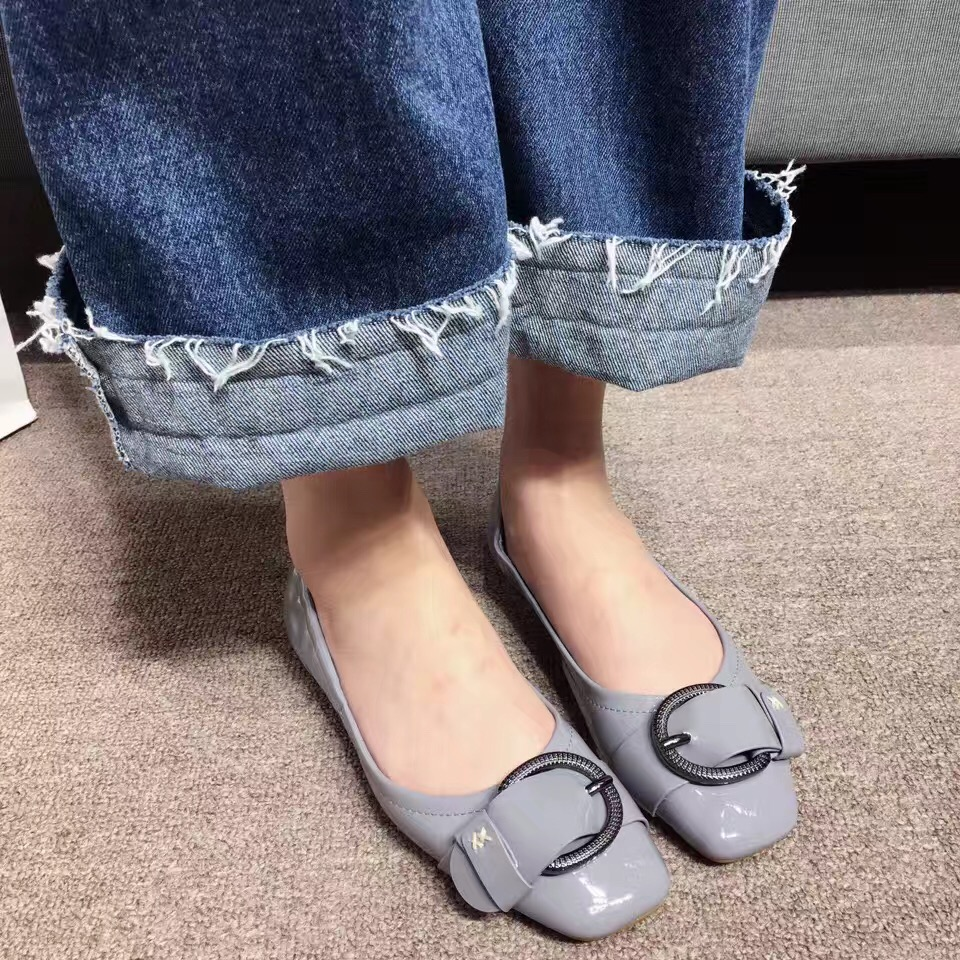 2017 New Arrival Comfortable Flat Shoes Spring Shoes for Women Metal Decoration Slip on Loafers for Women <br><br>Aliexpress