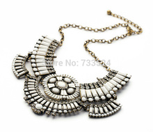 2014 Hot Selling White Cube Jewelry Party Nice Necklace For Women