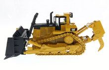 1:50 DM-85212 Cat D11T Track-Type Tractor toy(China)