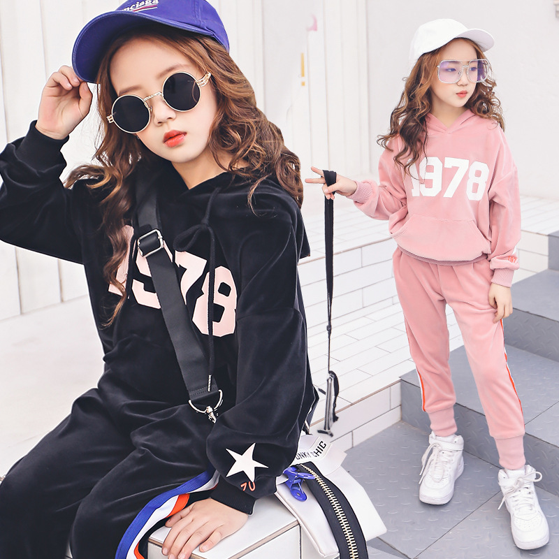 Childrens suit 2018 spring new Korean version of the girls velvet suit large childrens sports and leisure two-piece suit<br>