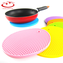 1pcs Colorful  Round Silicone Mat  Non-Slip Heat Resistant Mat Coaster Cushion Placemat Pot Holder Table Kitchen Accessories