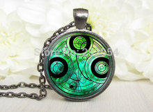 New 2016 Steampunk uk movie dr doctor who green Necklace 1pcs/lot bronze silver Glass Pendant jewelry gift time turner glass usa