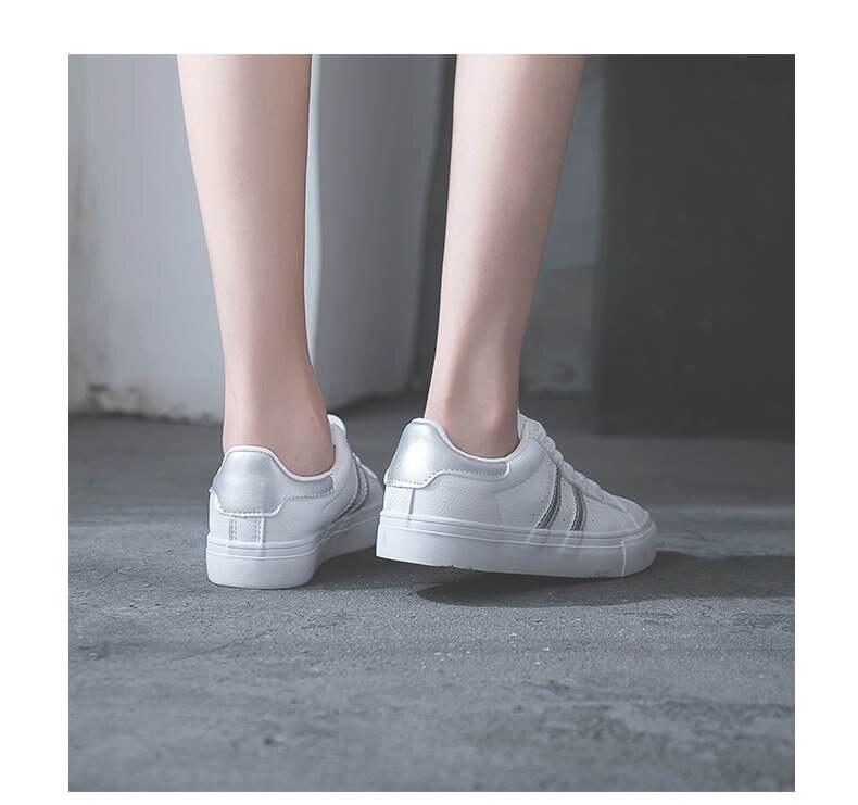 حذاء نساء لون ابيض 32