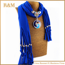 2016 New Arrival Charms Scarf round Pendant Scarf Jewelry Scarves Necklace Scarf echarpes foulards femme