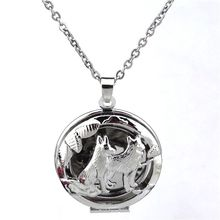 KK159 Wolf Locket Necklaces Pendant Perfume Essential Oil Diffuser Aromatherapy Charm Stainless Steel Chain Necklace Unisex Men