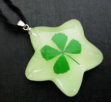 Free Shipping $46  50pcs Lovely five star shaped real green four leaf clover lucky St. Patrick's Day glow in dark yqdmy pendant